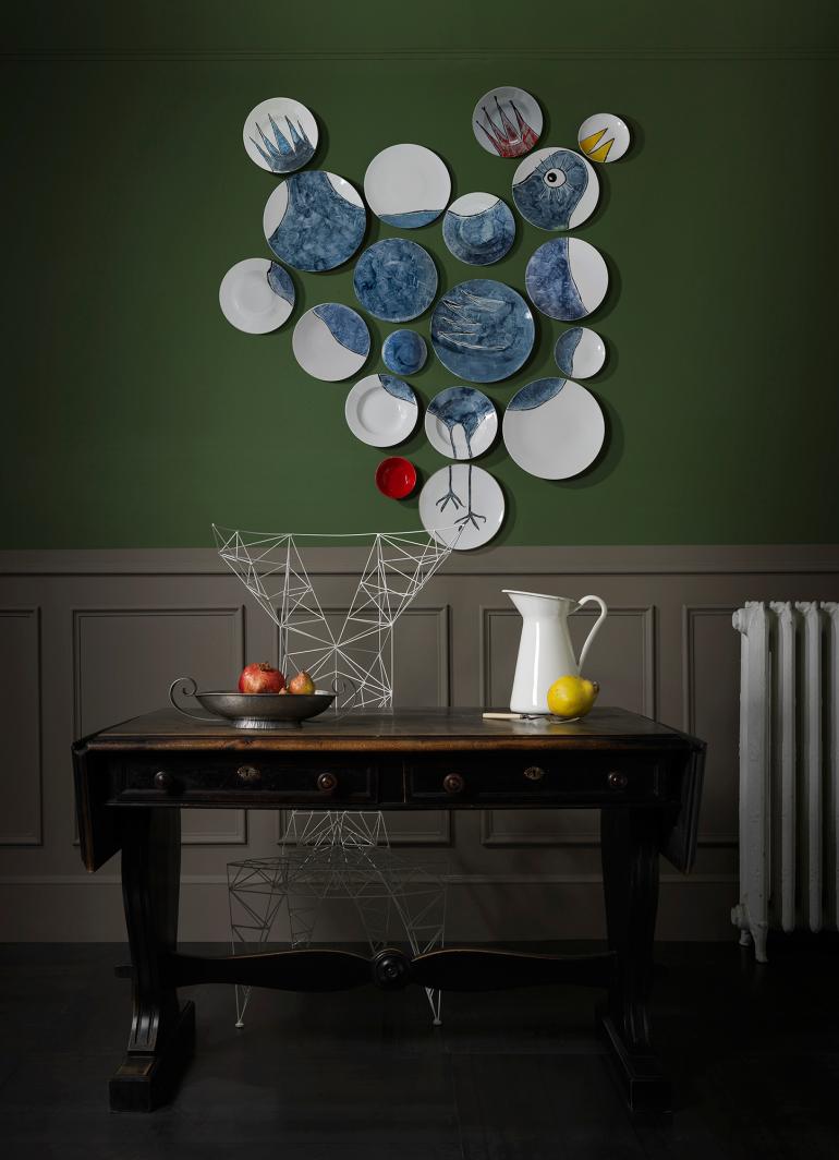 Non-sans-raison-porcelaine-de-limoges-vaisselier-mural-paula-juchem-The-Coco-Wall-Plates-2